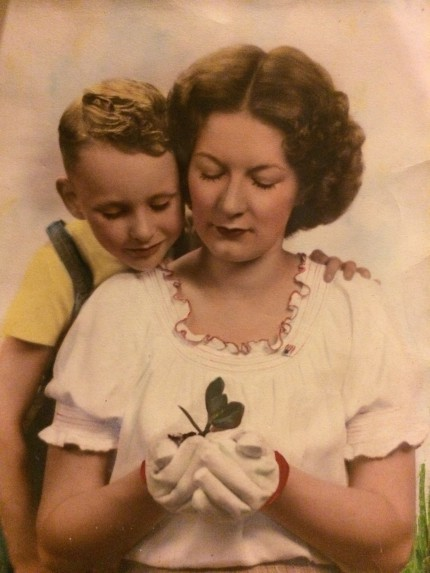 Melvin Jay Lindsay with his mother, Zelma, 1948